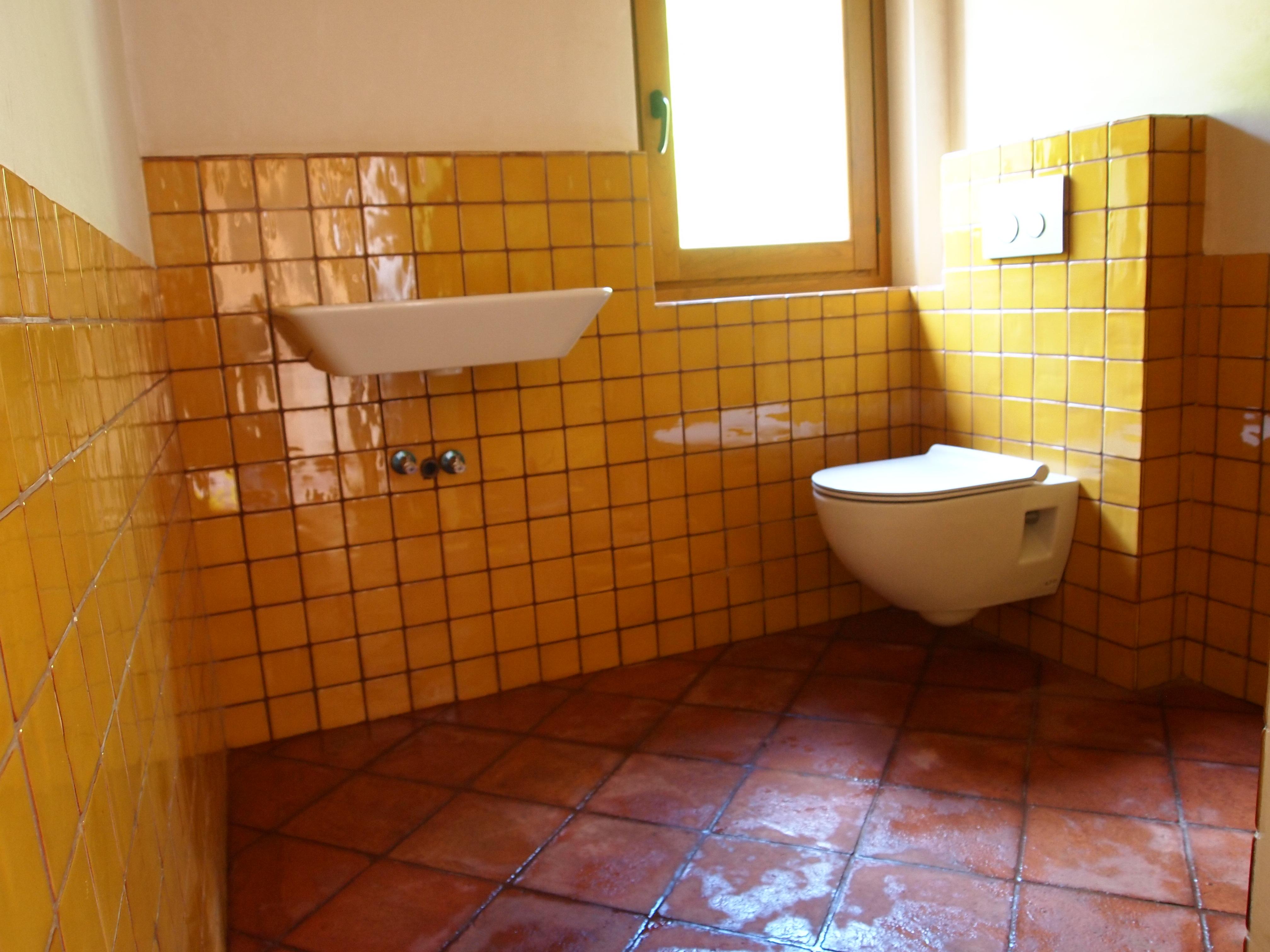 Gele Vloertegels Badkamer : Gele vloertegels badkamer u devolonter